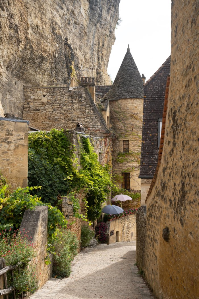 Ruelle dans le village de La-Roque-Gageac