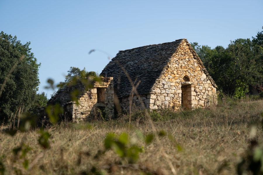 Randonnée en Dordogne : maisons de pierres à Castelnaud