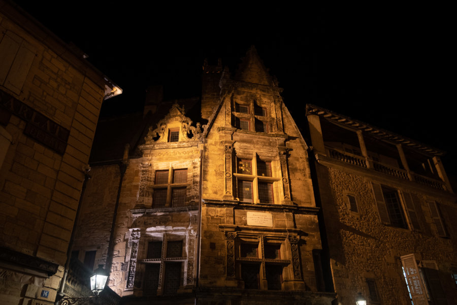 Visite de Sarlat de nuit : bâtiments historiques