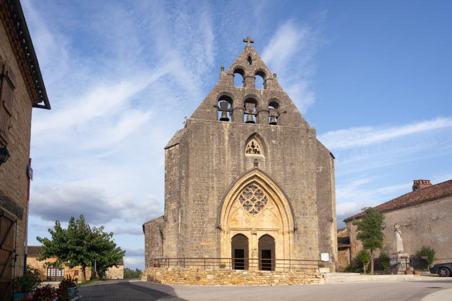 Eglise dans le village de Montcabrier