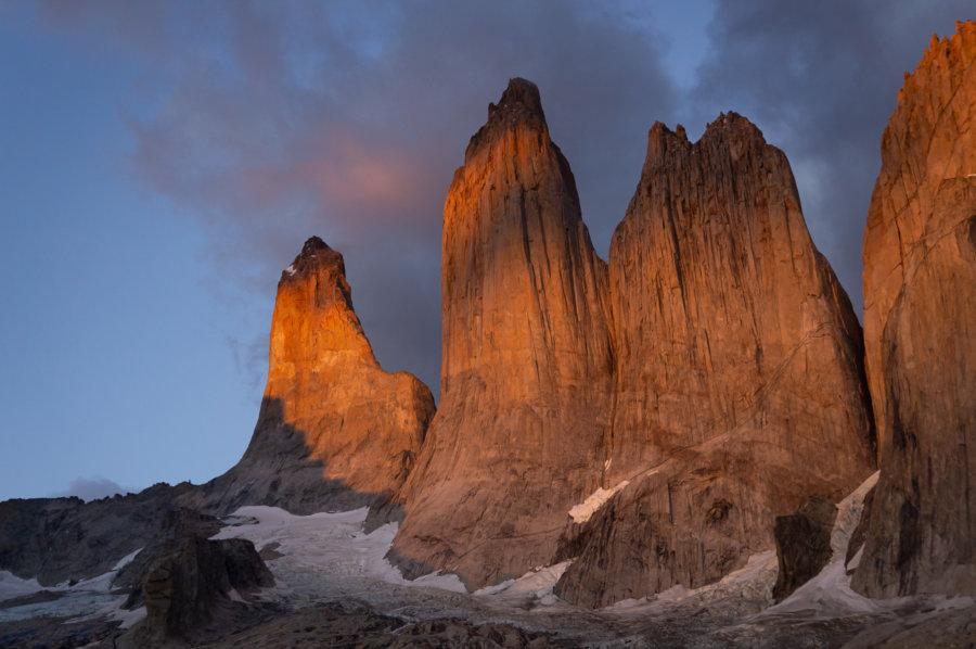 Lever de soleil sur les Torres del Paine en Patagonie