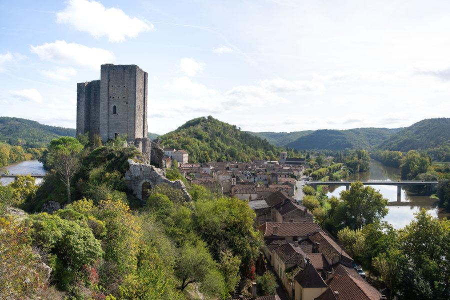 Village de Luzech et vallée du Lot