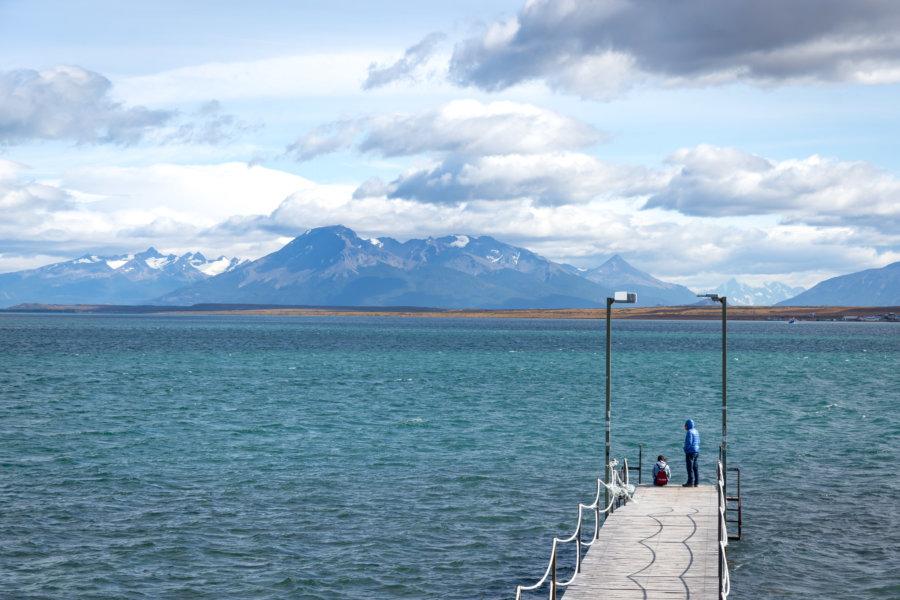 Ponto sur le lac à Puerto Natales au Chili