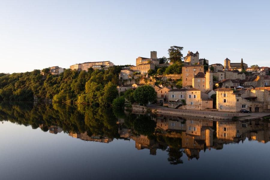 Village de Puy-l'Évêque au bord du Lot
