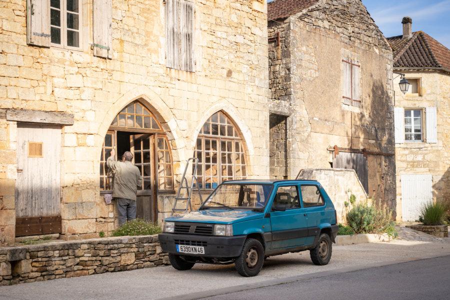 Village de Montcabrier en Occitanie