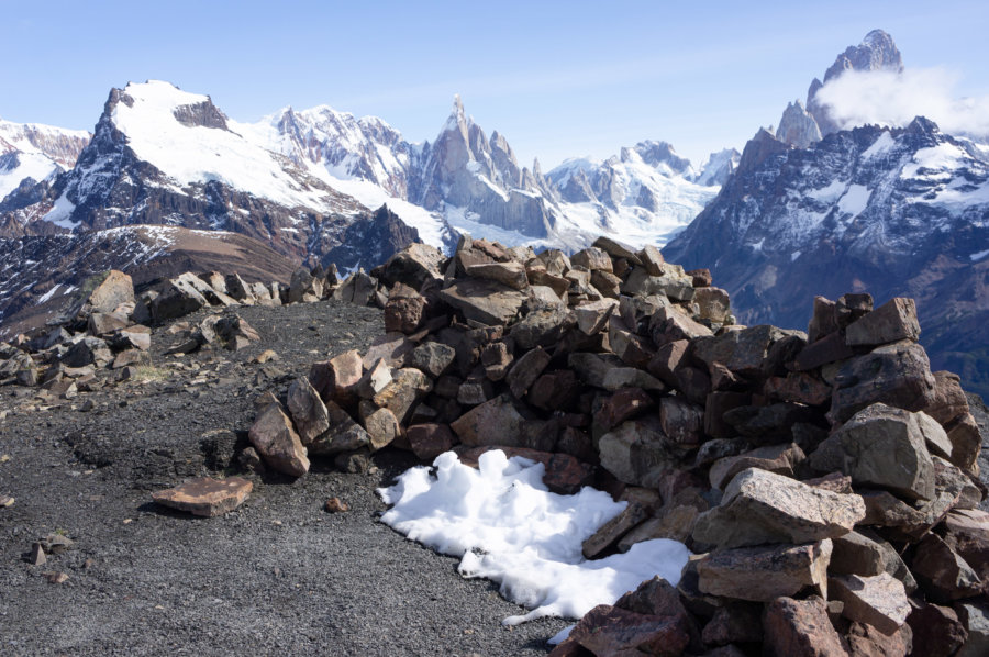 Neige au sommet de la randonnée Loma Pliegue Tumbado