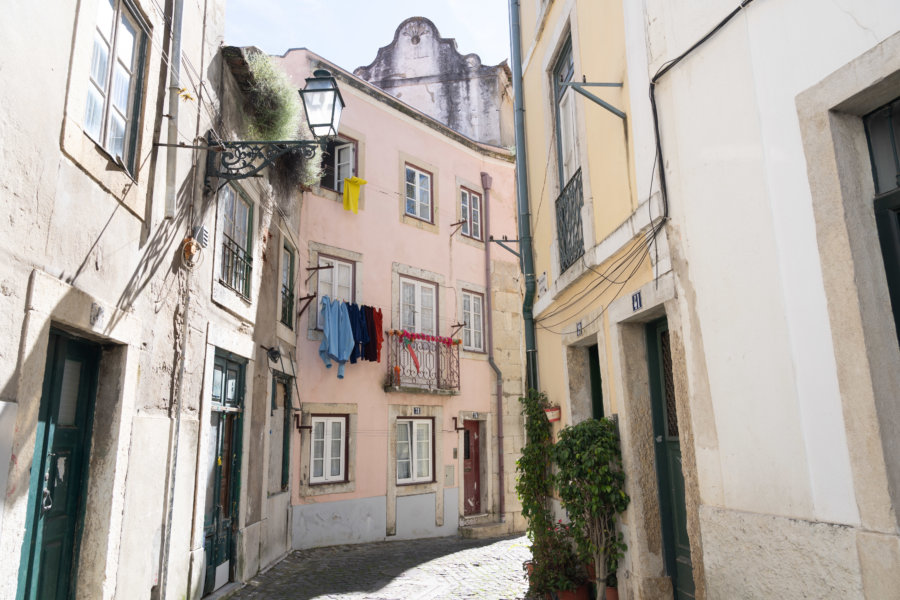 Rues près du château à Alfama, Lisbonne