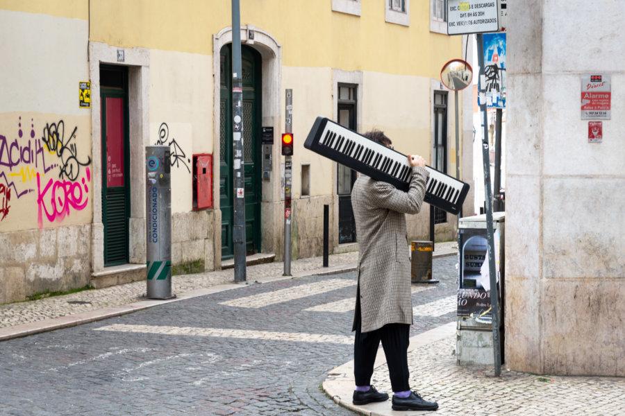 Scène de rue à Lisbonne