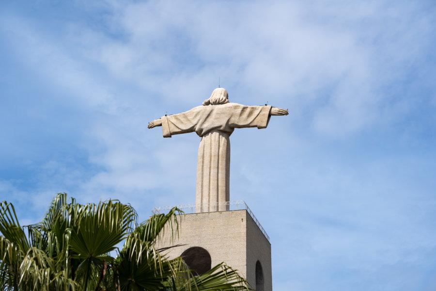 Statue du Christ Roi à Almada, Lisbonne