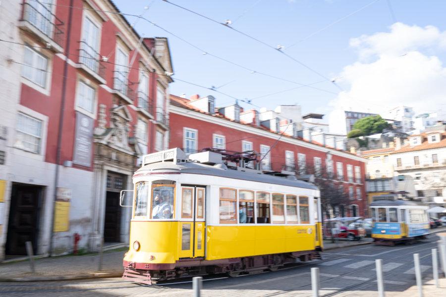 Tramway jaune à Lisbonne, Alfama