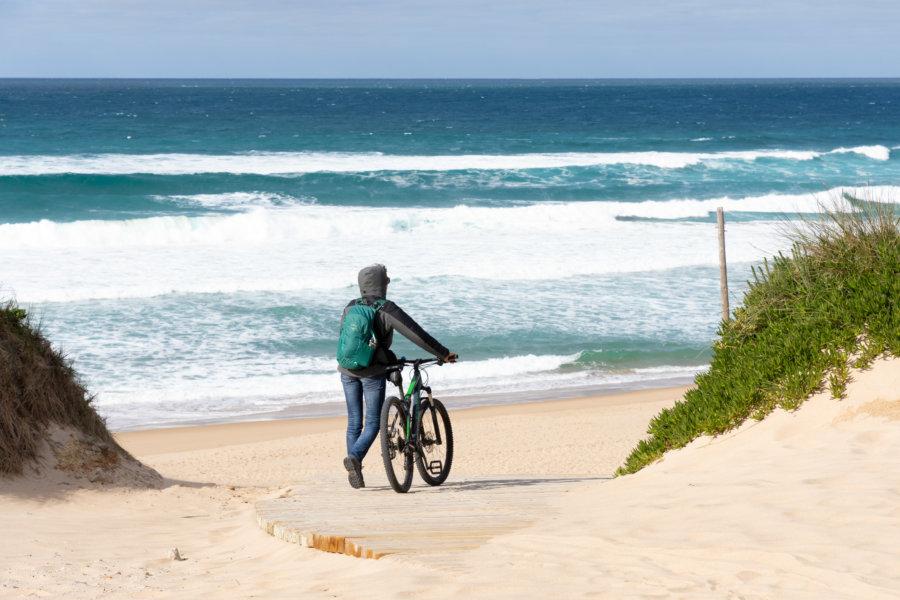 Vélo sur la plage de Guincho près de Cascais