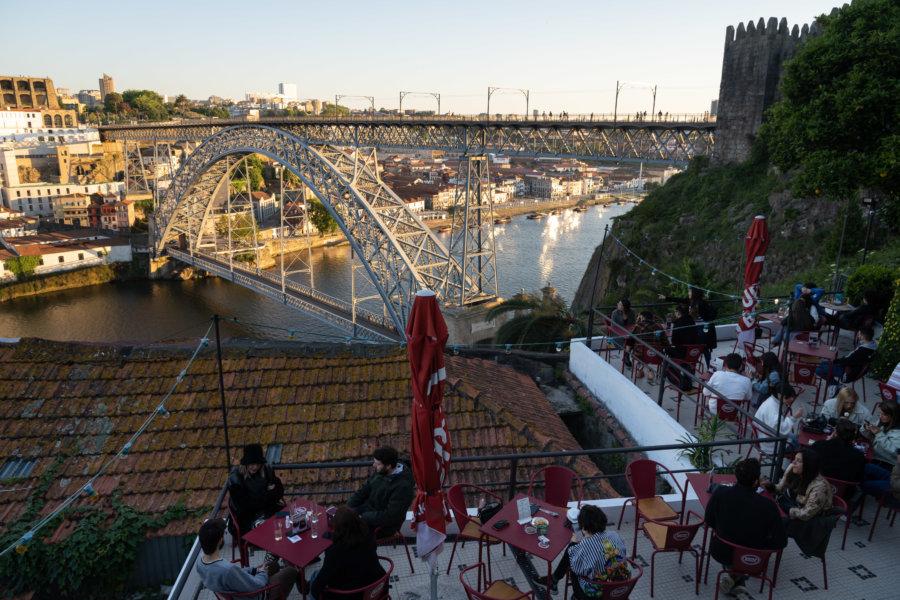 Bar Guindalense Football Club à Porto