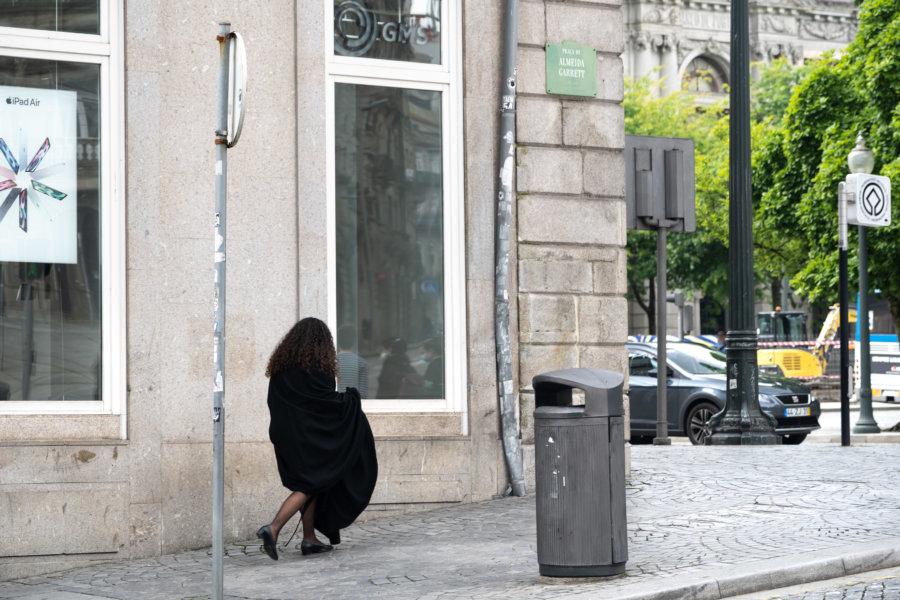 Etudiante de Porto à cape noire