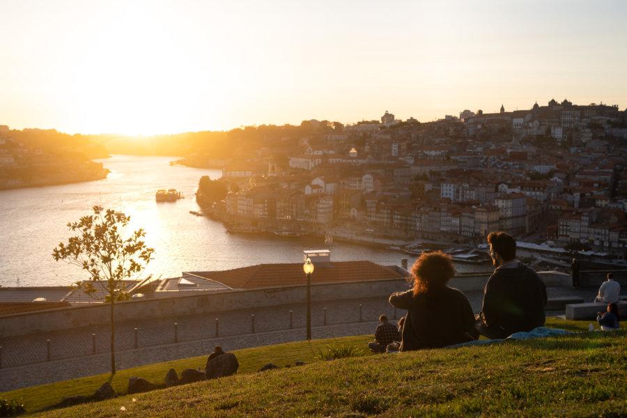 Jardim do Morro à Porto au coucher du soleil