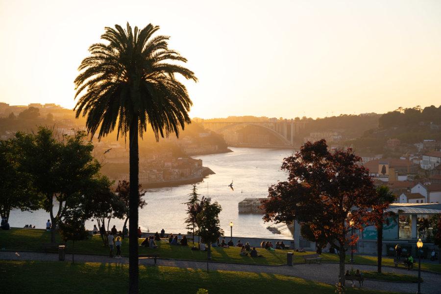 Coucher de soleil à Porto, Jardin Morro