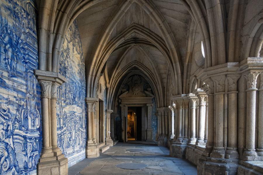 Visite du cloître de Sé à Porto