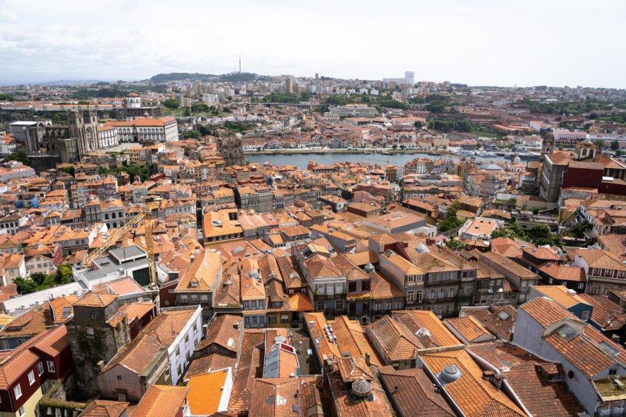 Vue panoramique sur Porto depuis la Tour des Clercs