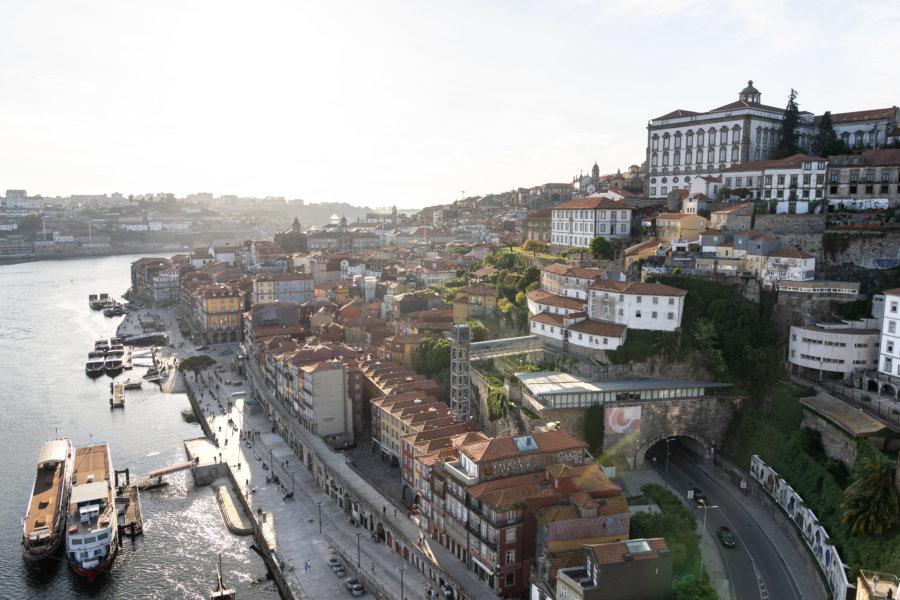 Vue sur Porto et Ribeira depuis le Pont, Portugal