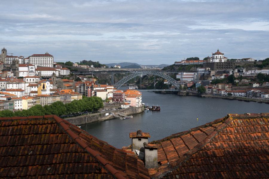 Vue sur Porto et Vila Nova de Gaia depuis le château